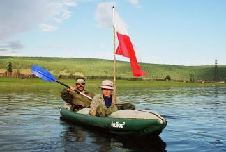 Rzeka Lena - autorzy (Kuba i Jacek) na wodzie - okolice Wiercholeńska